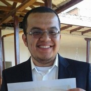 Oscar M Corzo